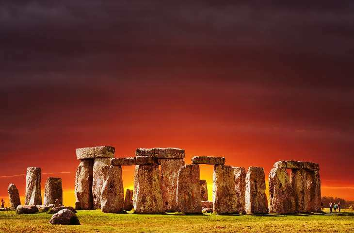Stylised Stonehenge